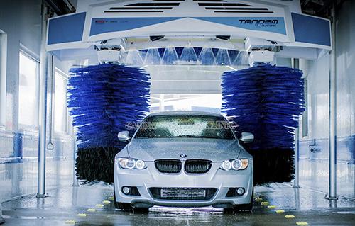 Máy rửa xe tự động giúp tiết kiệm tối đa thời gian và công sức mang lại năng suất cao cho tiệm rửa xe