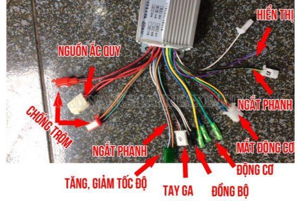 Việc nhận biết màu dây sẽ dễ dàng khi đấu nối IC