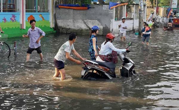 Xử lý xe máy bị ngập nước càng sớm càng tốt